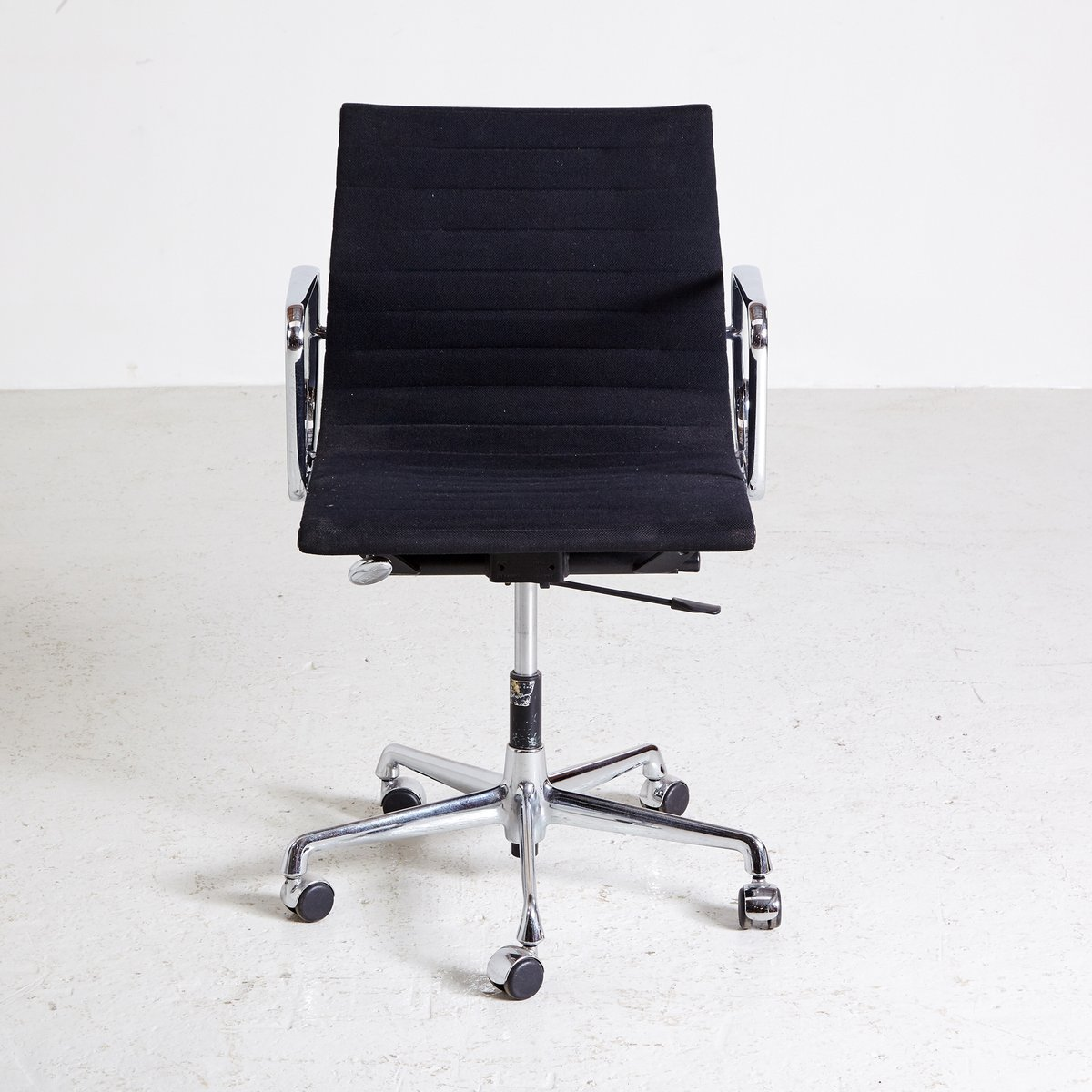 Vitra Office Chair Ea 107 Swivel Office Chair By Charles Ray Eames For Vitra 1958