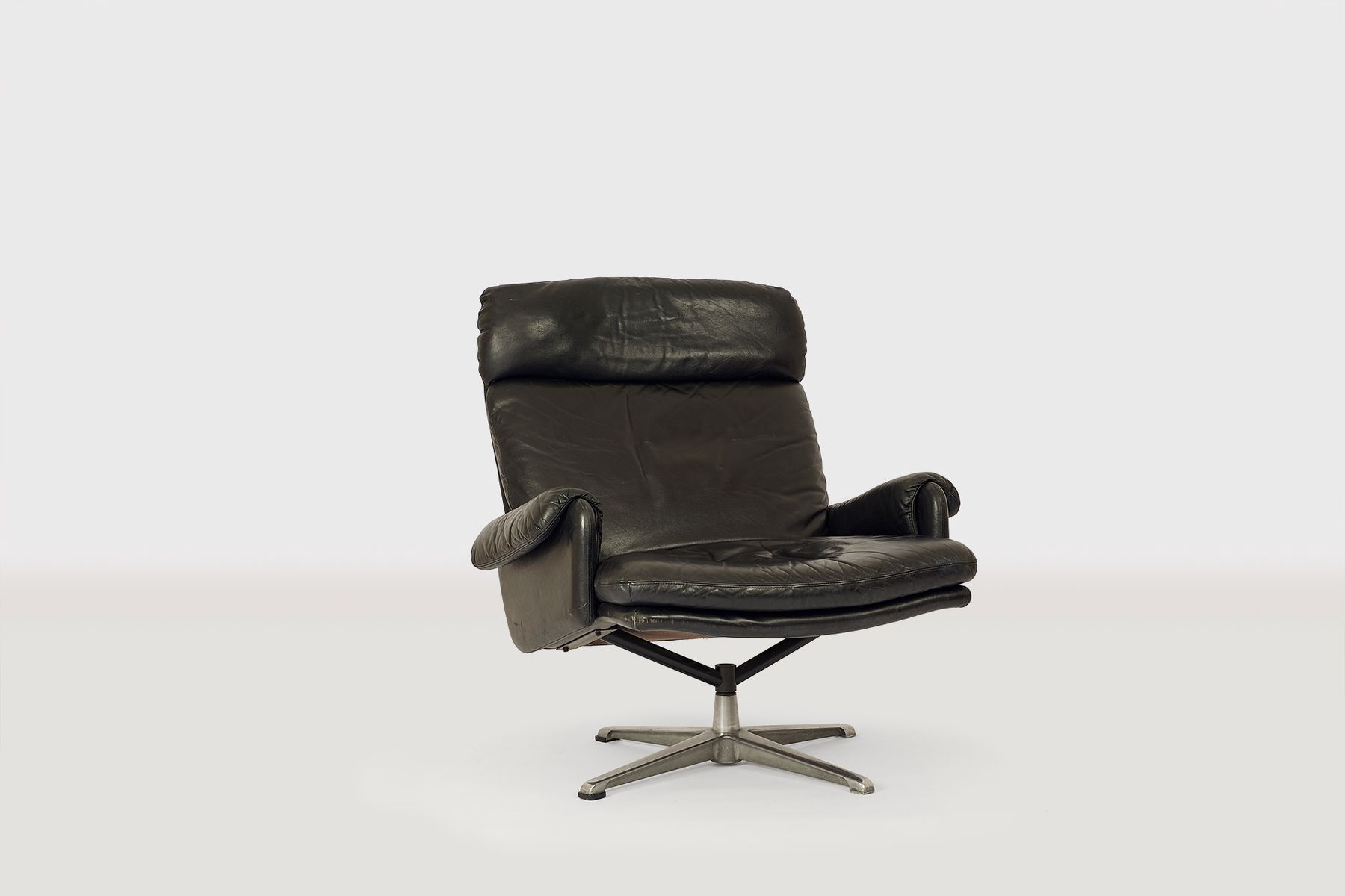 Black Leather Lounge Chair Black Leather Lounge Chair 1970s