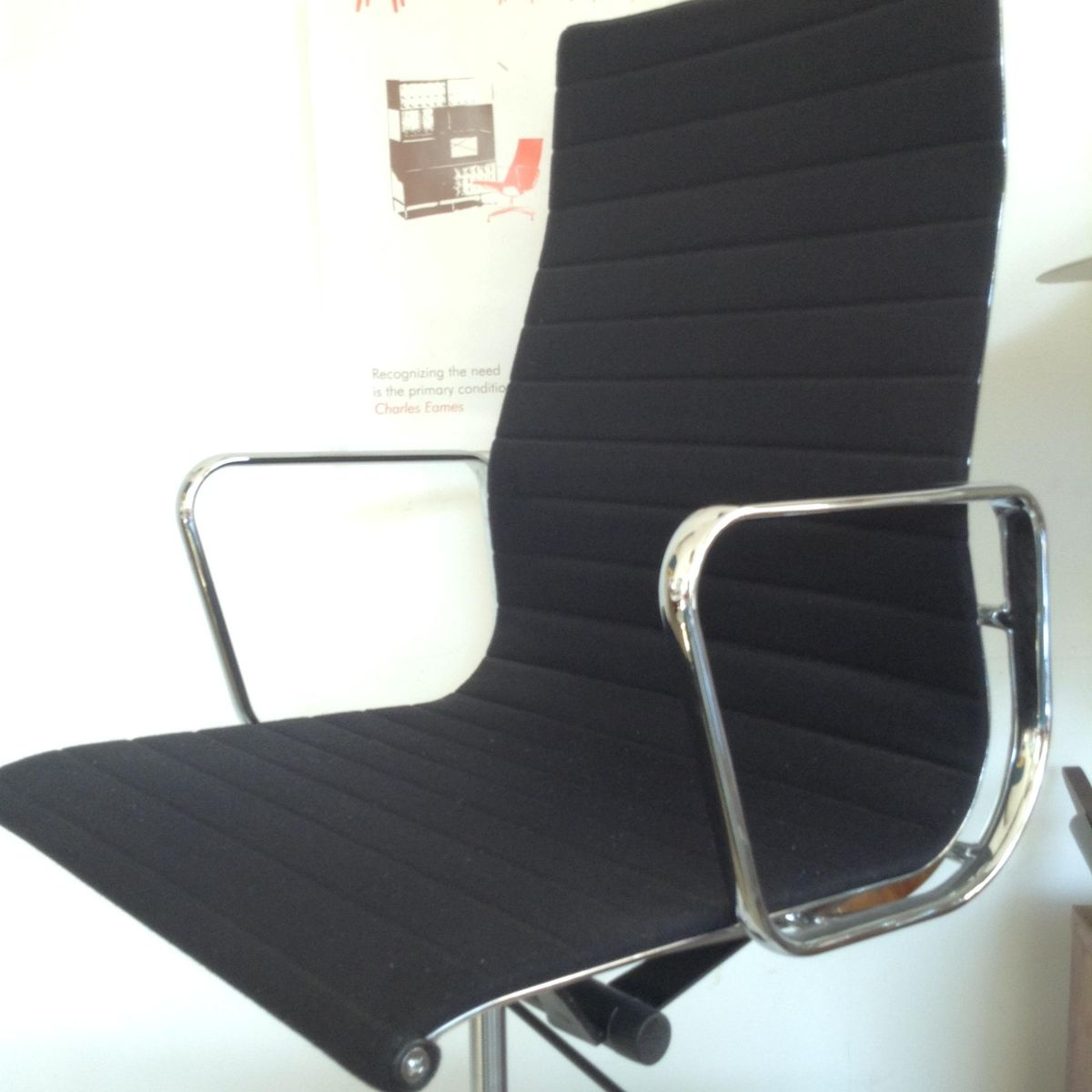 Vintage EA 119 Swivel Chair by Charles & Ray Eames for