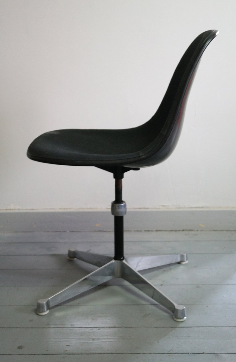 Herman Miller Shell Chair Fiberglass Shell Chair By Charles Ray Eames For Herman Miller 1967