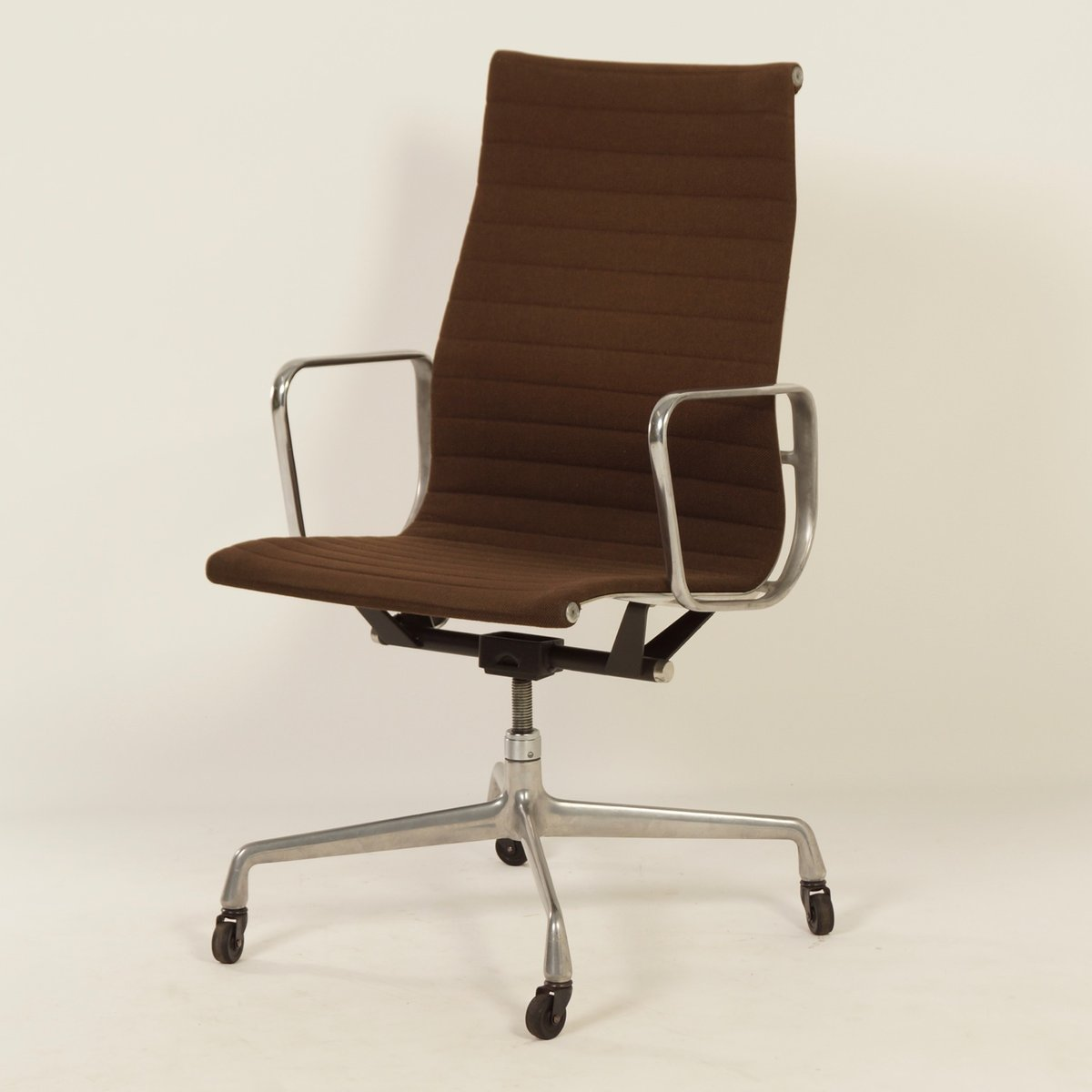 desk chair herman miller bertoia style white office by charles ray eames for 1960s