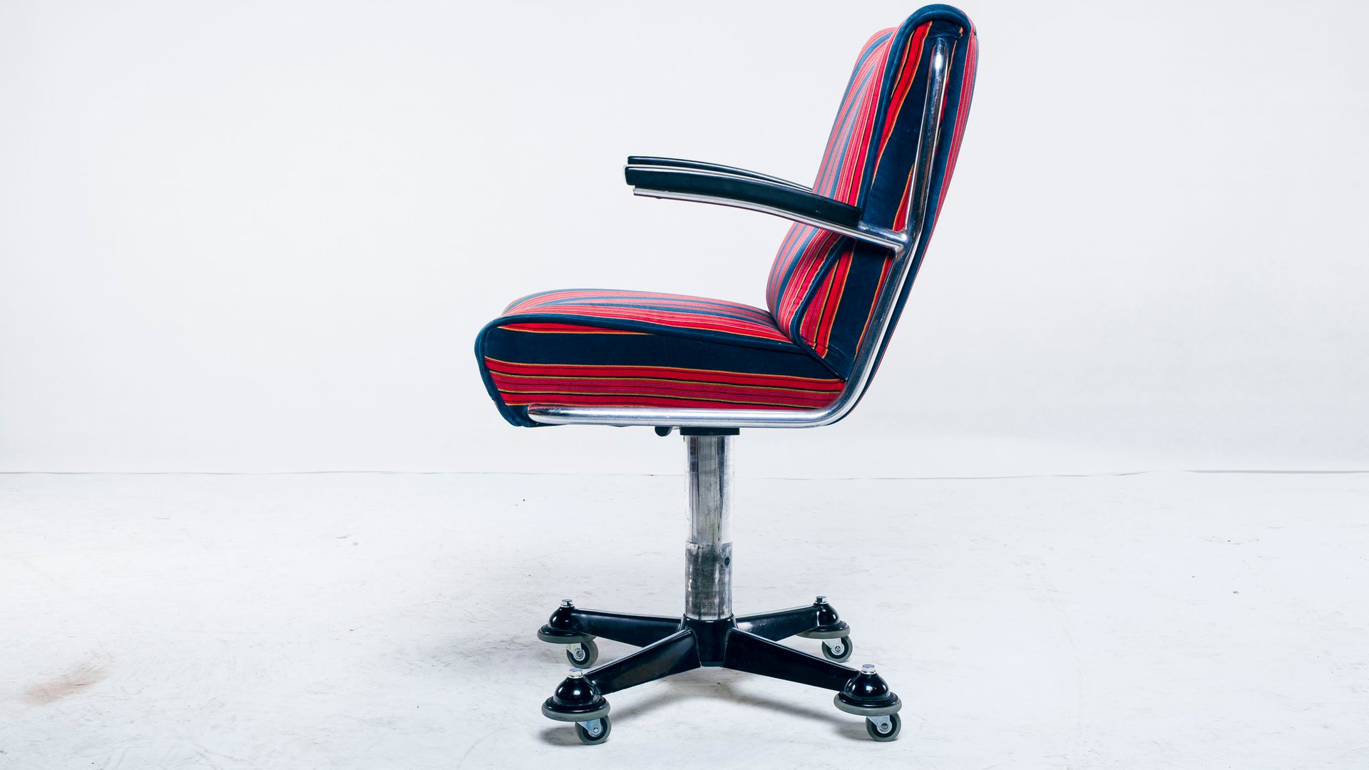 bauhaus swivel chair zero gravity recliner dark blue from mauser werke waldeck 1950s for price per piece