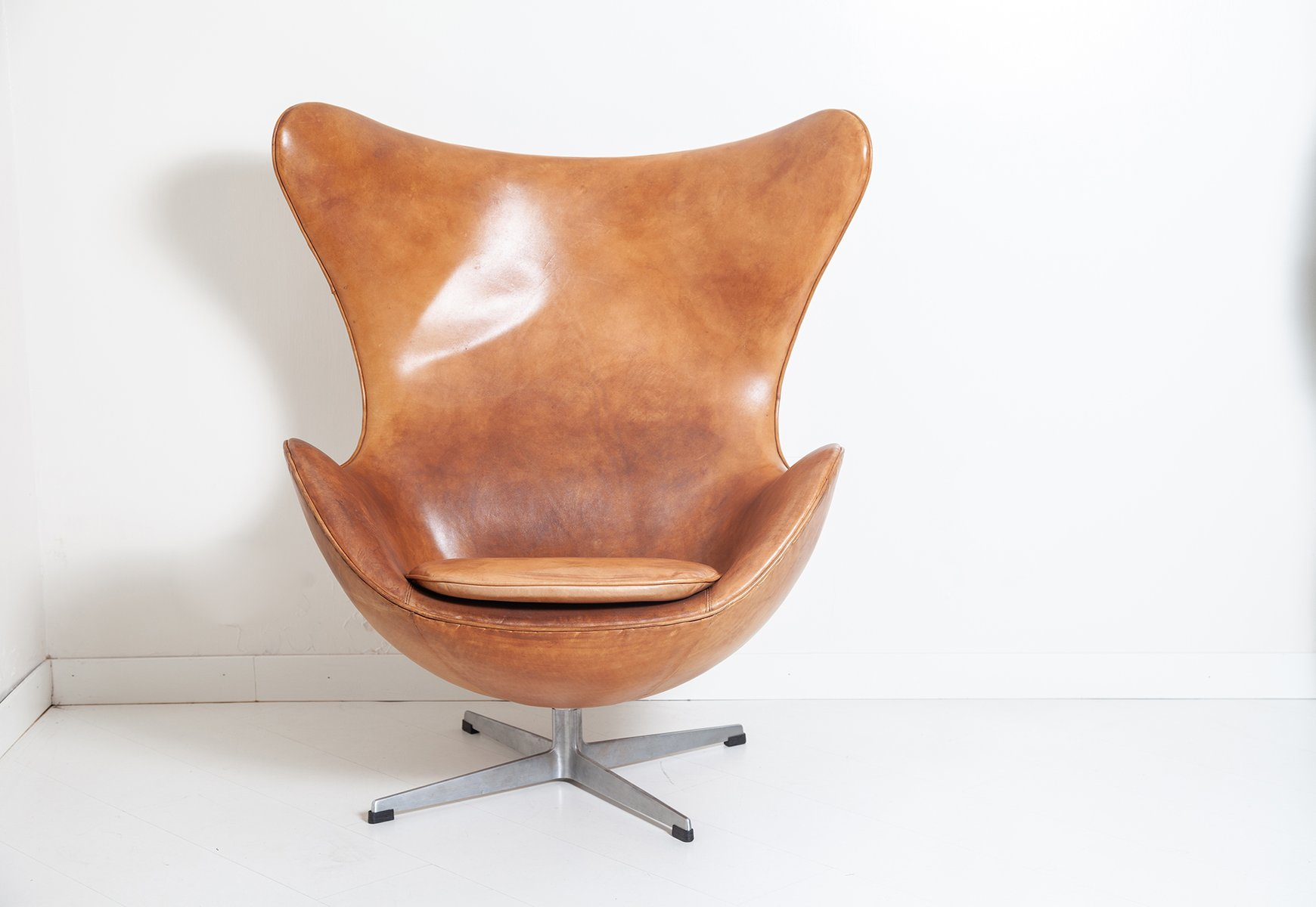 Vintage Egg Chair with Footrest by Arne Jacobsen for Fritz