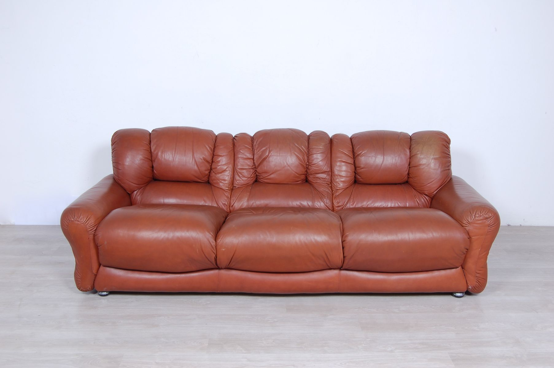 Brilliant Vintage Sofa Brown Download Free Architecture Designs Salvmadebymaigaardcom
