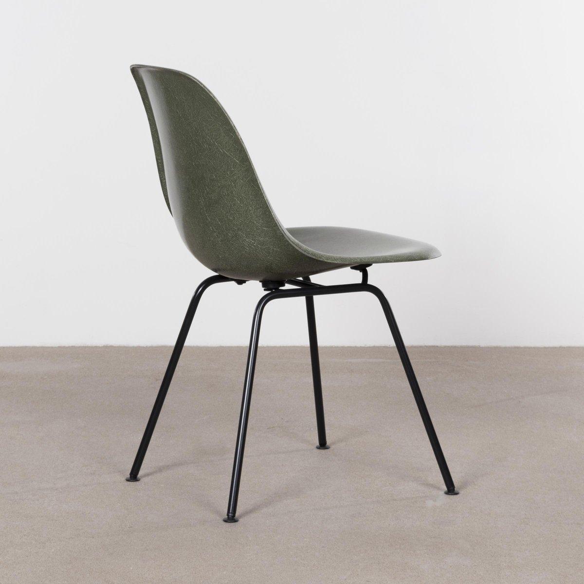 Poltrona Design Con Poggiapiedi Di Charles & Ray Eames