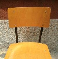 Industrielle stapelbare Stühle aus Eisen & Pagholz, 1950er ...