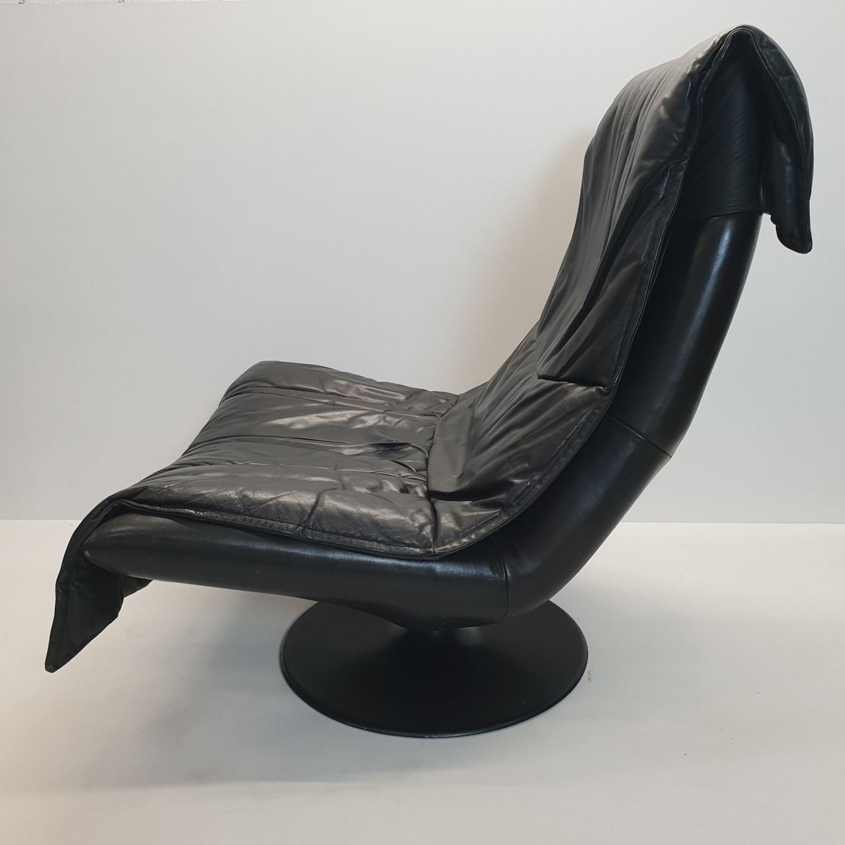 black leather swivel lounge chair back pain office cushion large vintage with