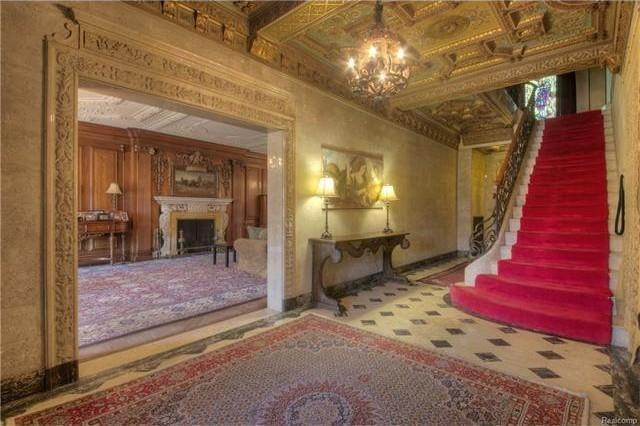 oak wood floor living room light blue rug detroit wow! house: berry gordy jr.'s motown mansion is ...