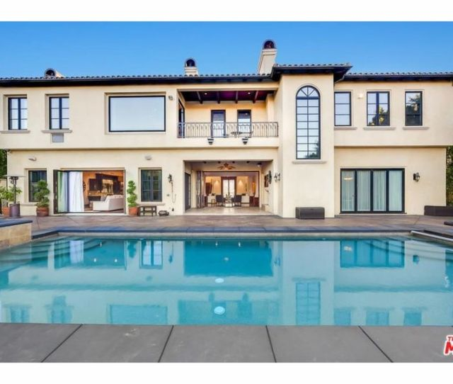 Houston Rockets New Star Chris Paul Selling Pricey La Mansions Probably Searching In Houston