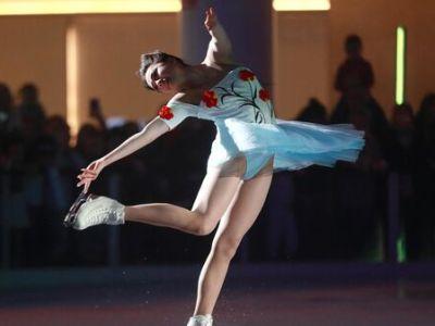 Загитова показала выученную для ледового шоу поддержку