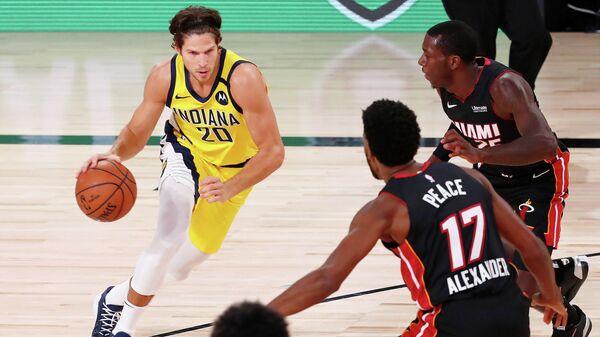 """Баскетболисты """"Индианы"""" переиграли """"Майами"""" в матче НБА"""