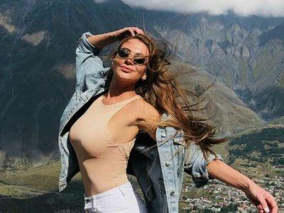 Роскошная девушка Артема Милевского: с ней он вспомнил путь к воротам