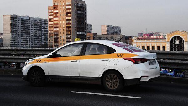Роспотребнадзор открывает горячую линию по услугам такси и каршеринга