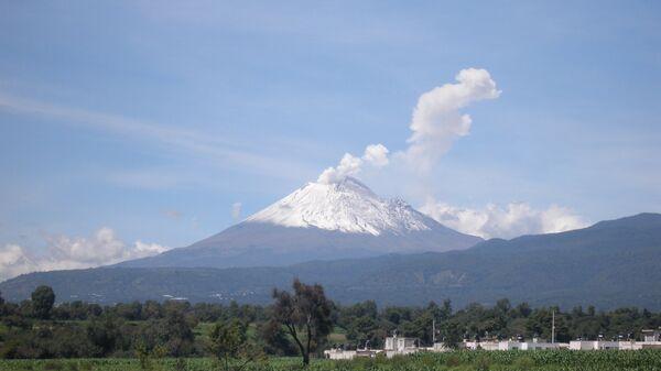 В Мексике активизировался вулкан Попокатепетль