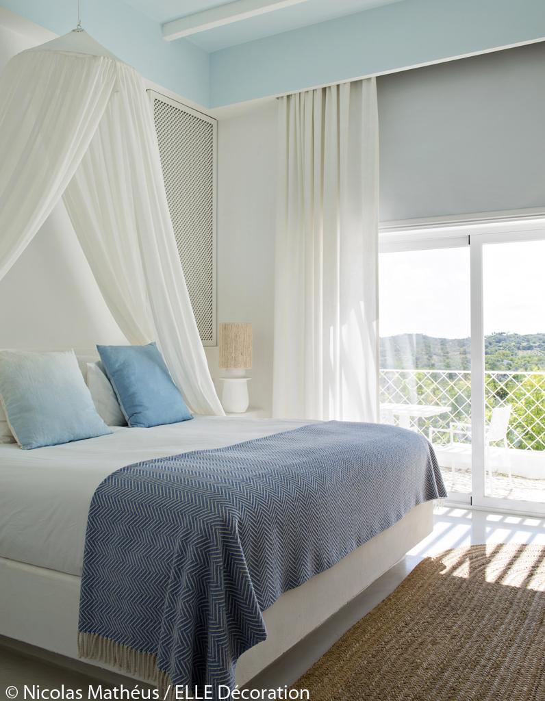 Simple Chambre Fille Design Pas Cher Des Coussins Bleus