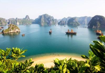 Baie de Hạ Long, au Viêt Nam - Plages paradisiaques : et ...