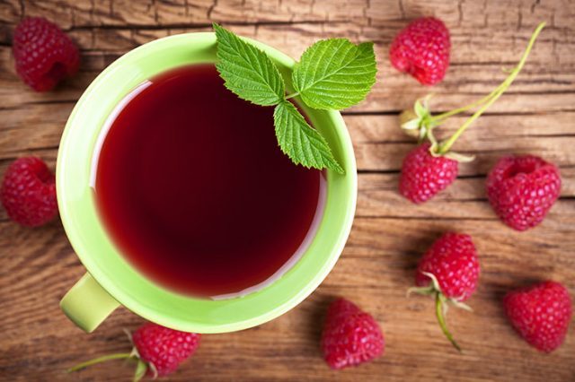 The Benefits of Raspberry Tea for Moms and Moms-to-Be