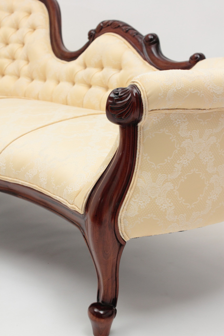 Victorian Chaise Lounge Laurel Crown
