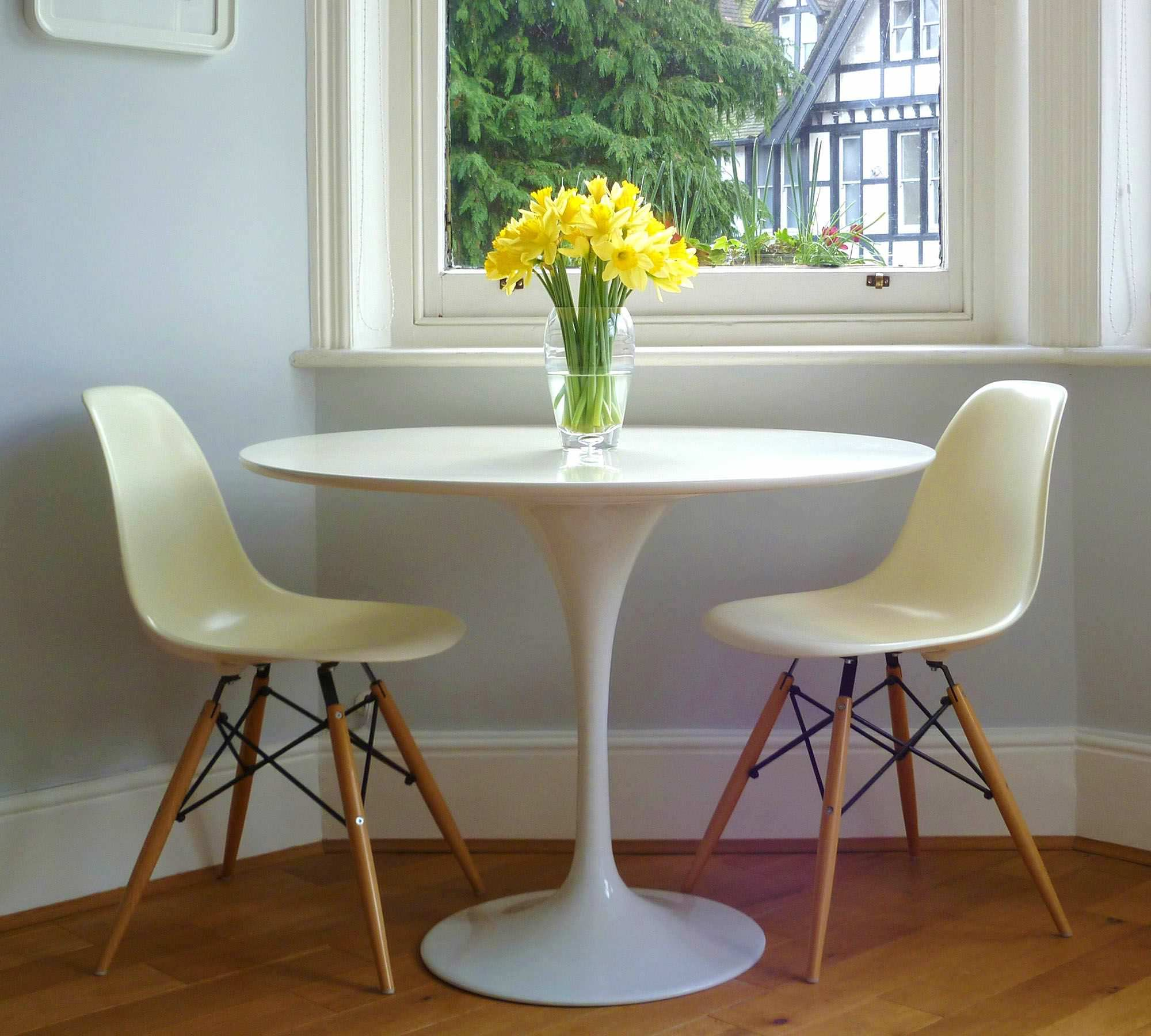 Tulip Table And Chairs Dining Dining Tables Tulip Table Kardiel