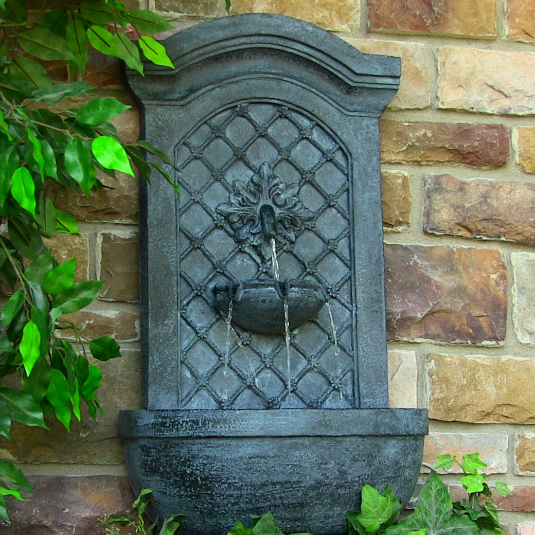 Sunnydaze Decor Rosette Leaf Outdoor Wall Fountain