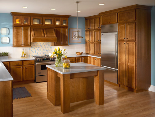 Cherry Kitchen In Sunset With Satina Glass Doors Kraftmaid