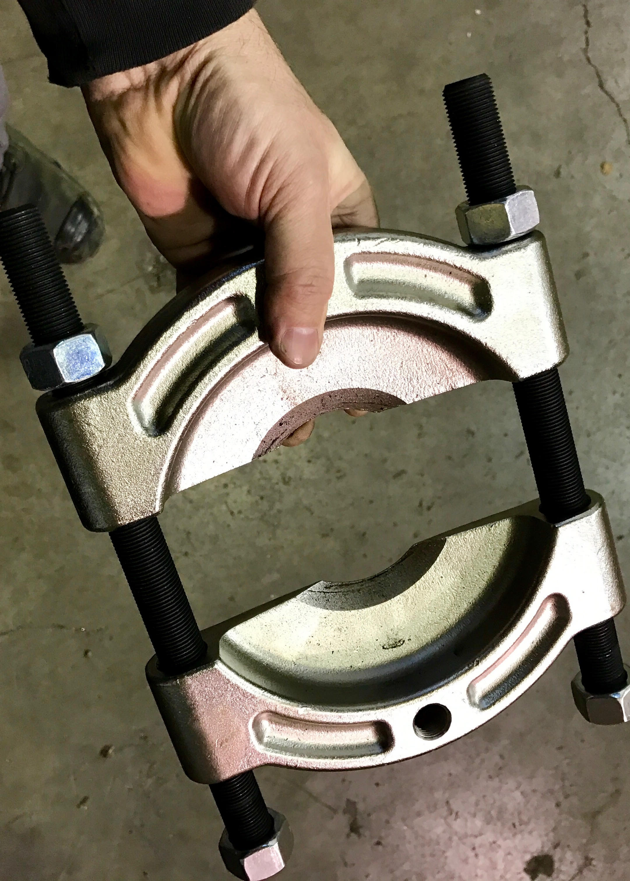 Toyota 4x4 how to replace front wheel unit bearings