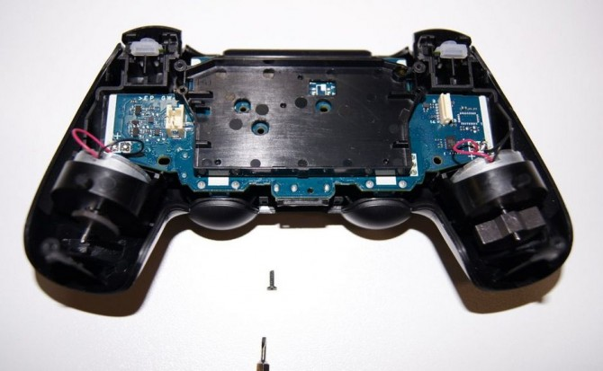 Wiring Diagram Check Out 98 Pictures Of The Dualshock 4 S Guts Completely