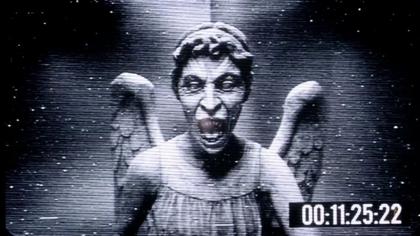 Broken Iphone X Wallpaper 2 Microsoft Windows Pranks Weeping Angel And Steam Live