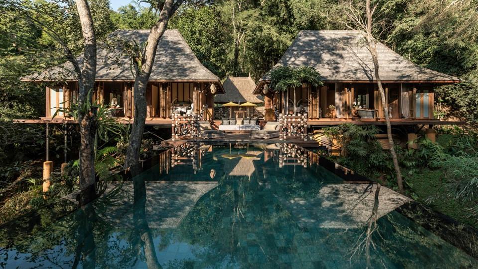 Thái Lan không chỉ phát triển du lịch bằng những tour giá rẻ, những khu buôn bán sầm uất hay nhà nghỉ bình dân. Hiện nay những khu nghỉ dưỡng cao cấp, đắt đỏ đang dần lên ngôi và trở thành điểm đến lý tưởng của nhiều du khách.