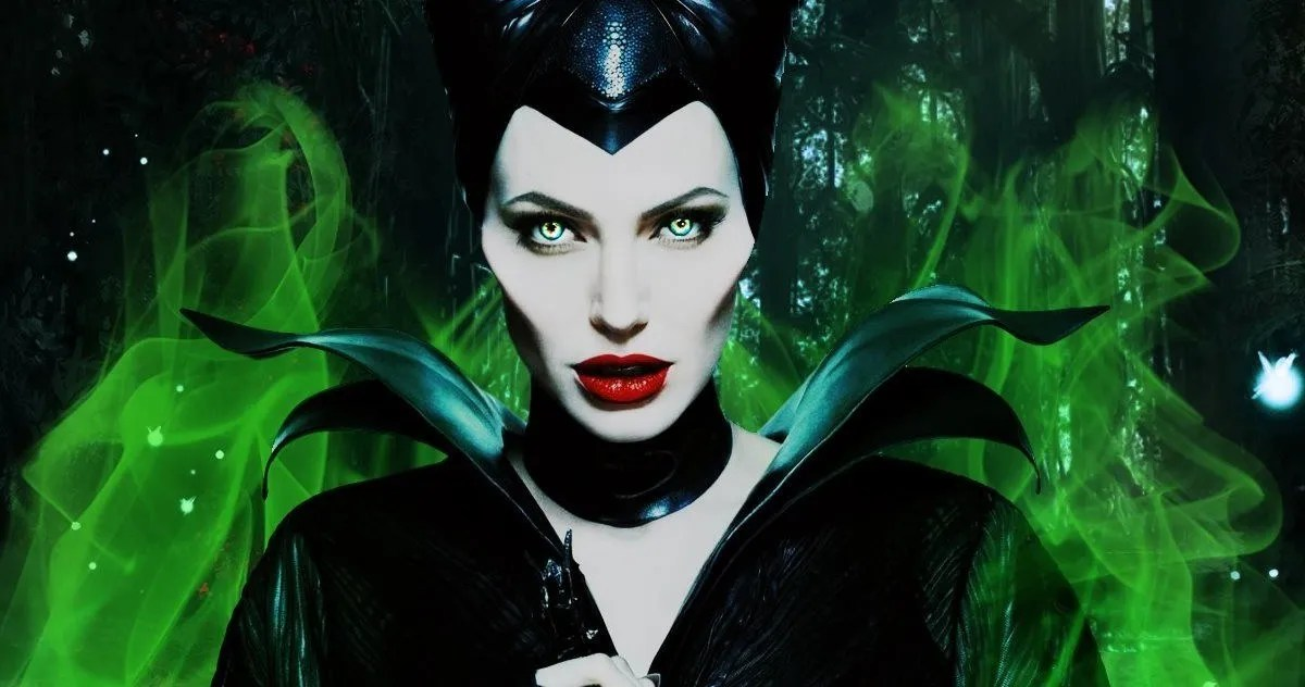 Maleficent 2 Wraps Production Director Shares Final Set Photo