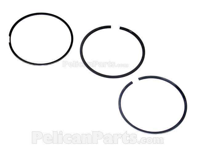 Audi and Volkswagen Piston Ring Set Standard Goetze 08