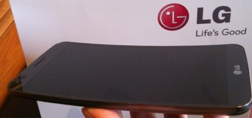 LG 1 730x3641 520x245 G Flex review: LGs giant smartphone with a natural grip is proof curved could be mainstream