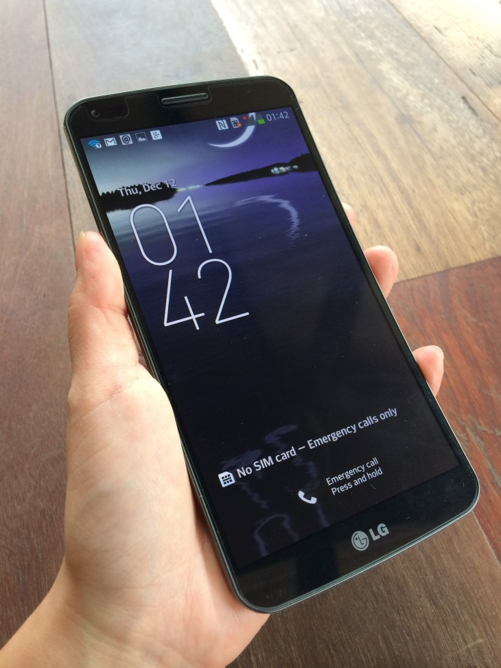 photo 21 730x973 G Flex review: LGs giant smartphone with a natural grip is proof curved could be mainstream