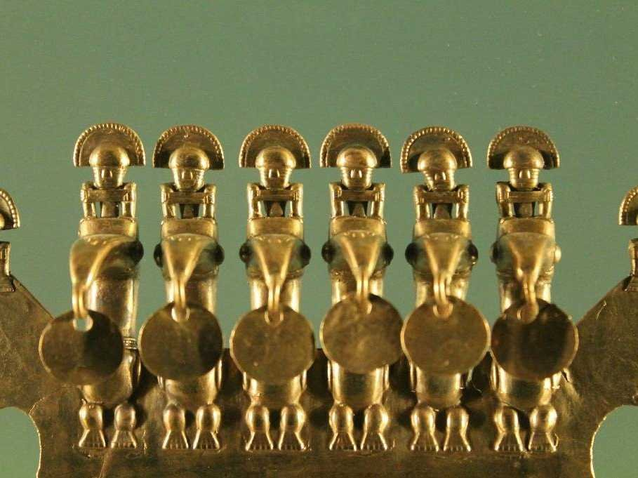 no-25-the-gold-museum-in-bogota-colombia-has-the-largest-collection-of-pre-hispanic-gold