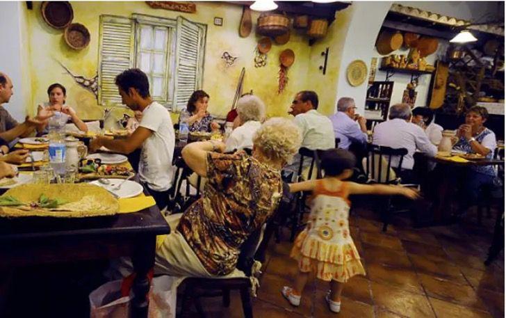 """Captura de pantalla 2019 04 04 a las 08.07.51 - Restaurante no admitirá niños porque """"los padres no logran controlarlos"""". Quieren evitar contagios"""