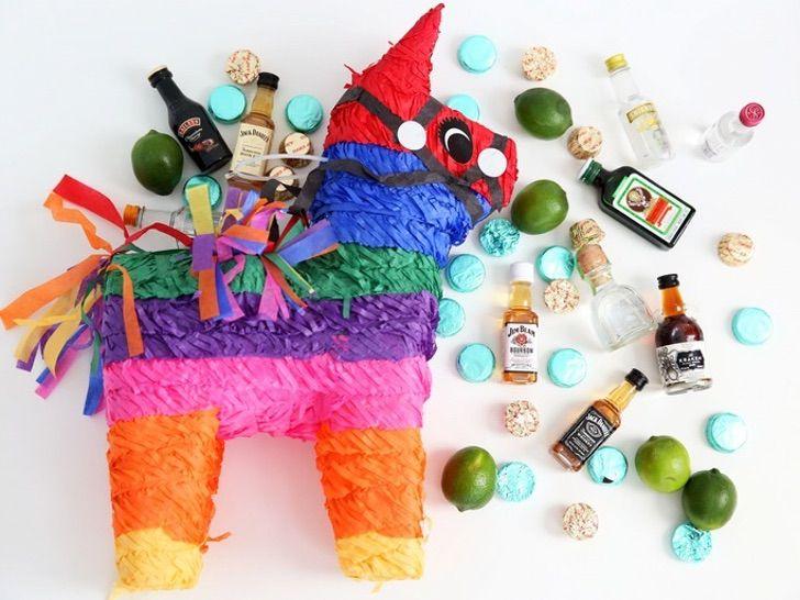 Piñata Alcohol0003 - Piñata para mayores de edad será la revelación de tu cumpleaños. Rellena de botellitas de alcohol