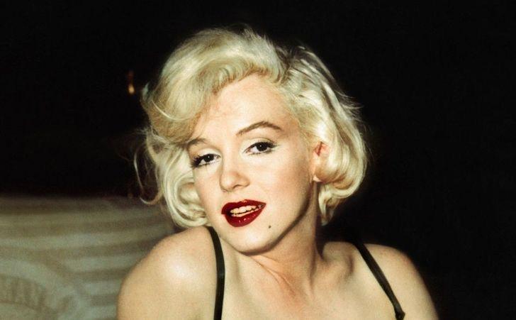 9 79 - 9 famosas del siglo pasado que tenían extraños trucos de belleza. Una usaba 3 pestañas postizas