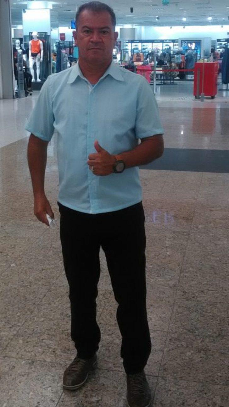 desempregado a pe1 e1612826702450 - Hombre que caminaba 25 km diarios para conseguir trabajo recibió 200 ofertas de empleo. Lo ayudaron