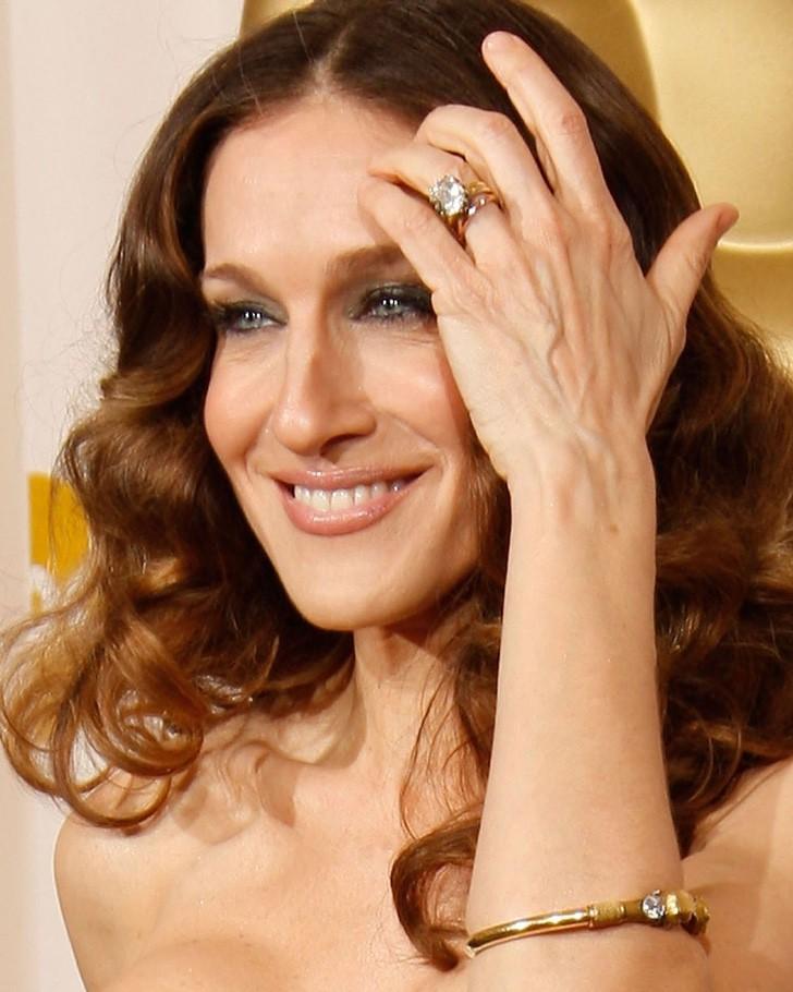 famosas anillos compromiso3 - 15 famosas y sus lujosos anillos de compromiso. El de Jennifer Lopez era bastante enorme
