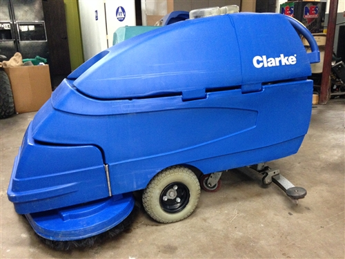 Clarke Focus S33 floor scrubber used walk behind