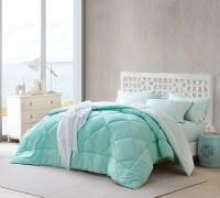 Top Queen Bedding Comforter Set - Hint of Mint Yucca ...