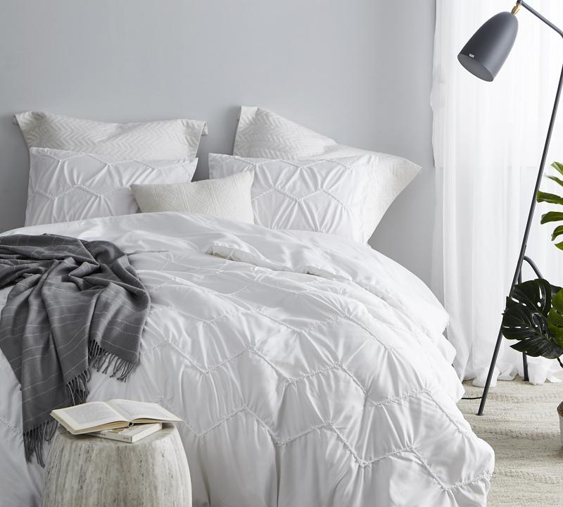 Textured Waves Queen Comforter Supersoft White