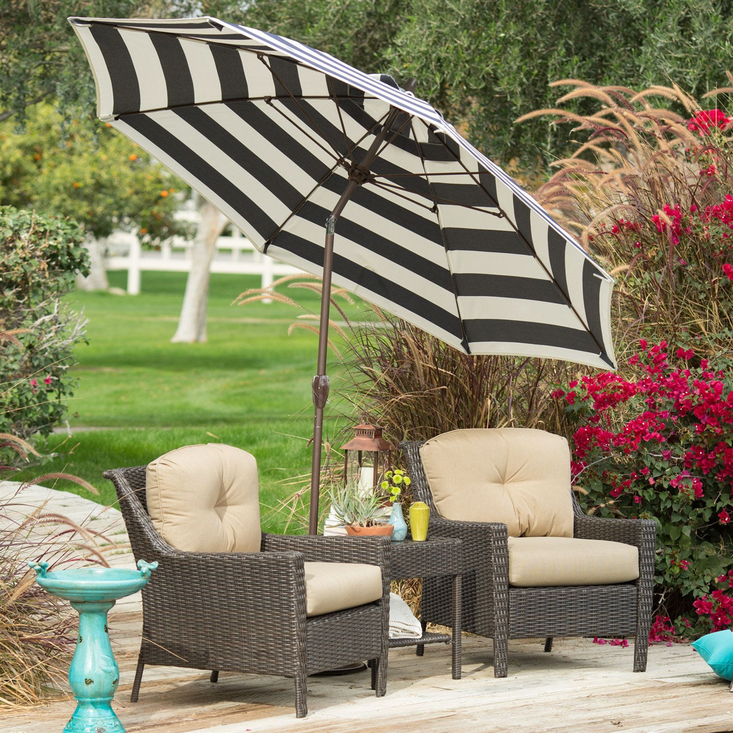 Stylish 9-ft Market Patio Umbrella With Crank And Tilt In