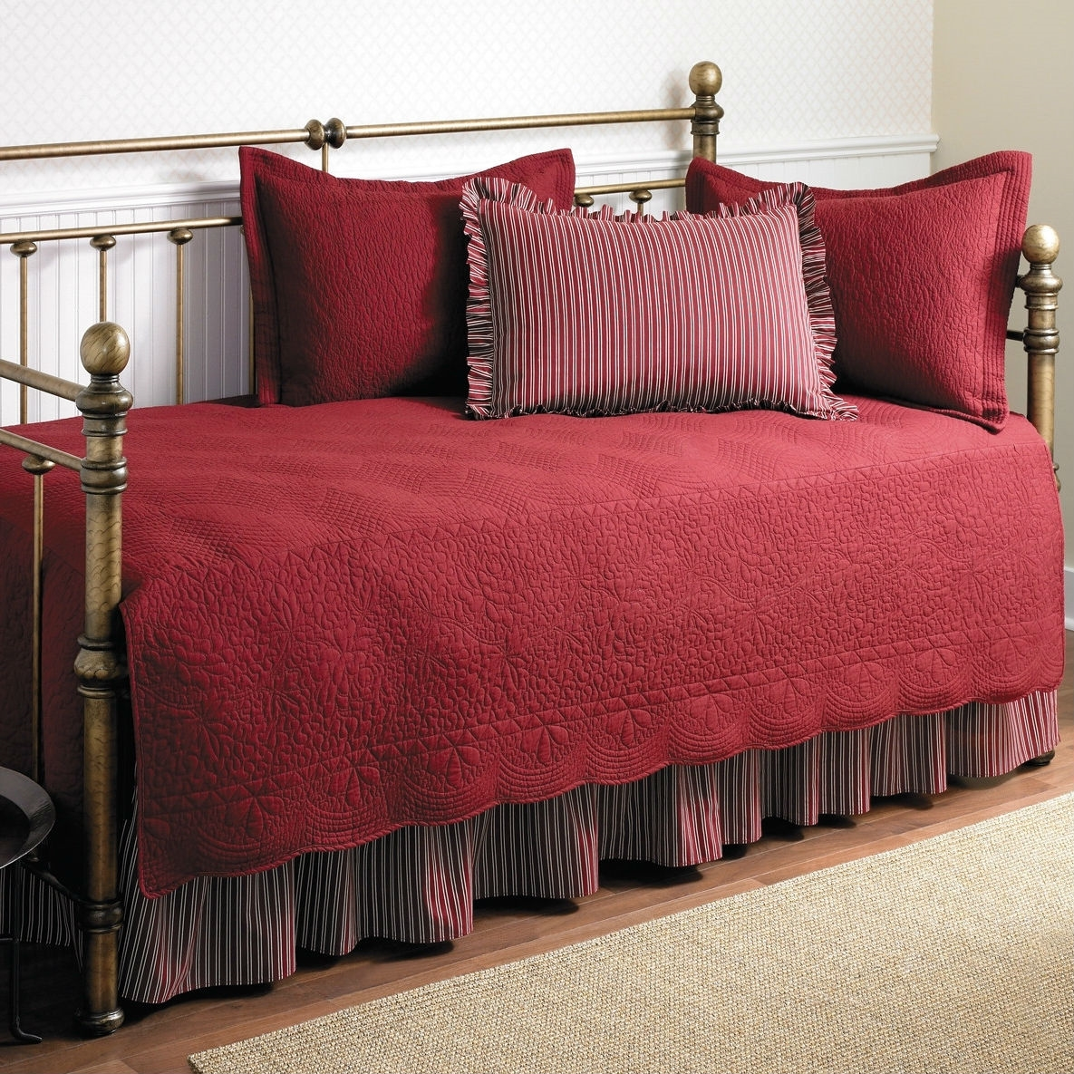 Twin Size 5-piece Daybed Cover Ensemble Quilt Set In