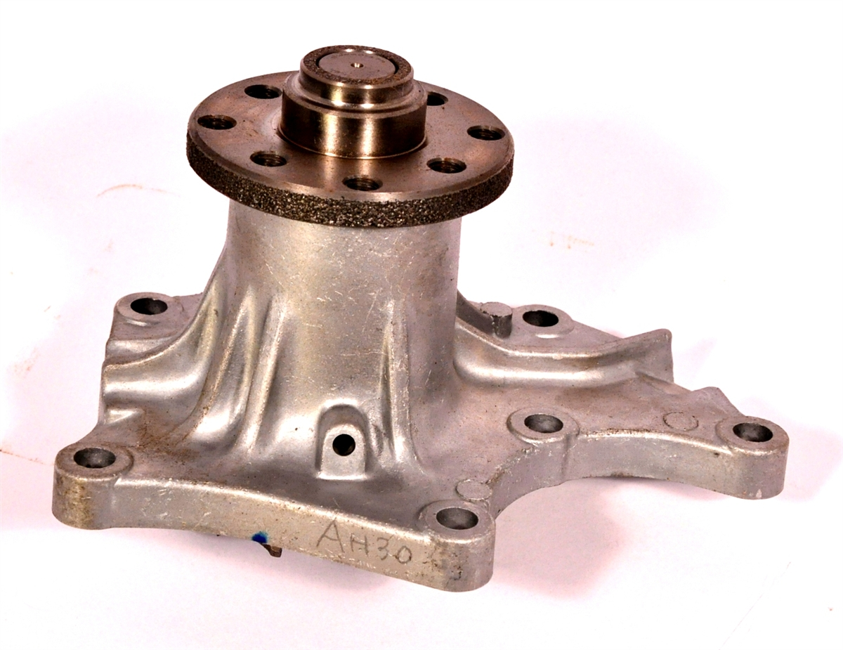 small resolution of isuzu water pump