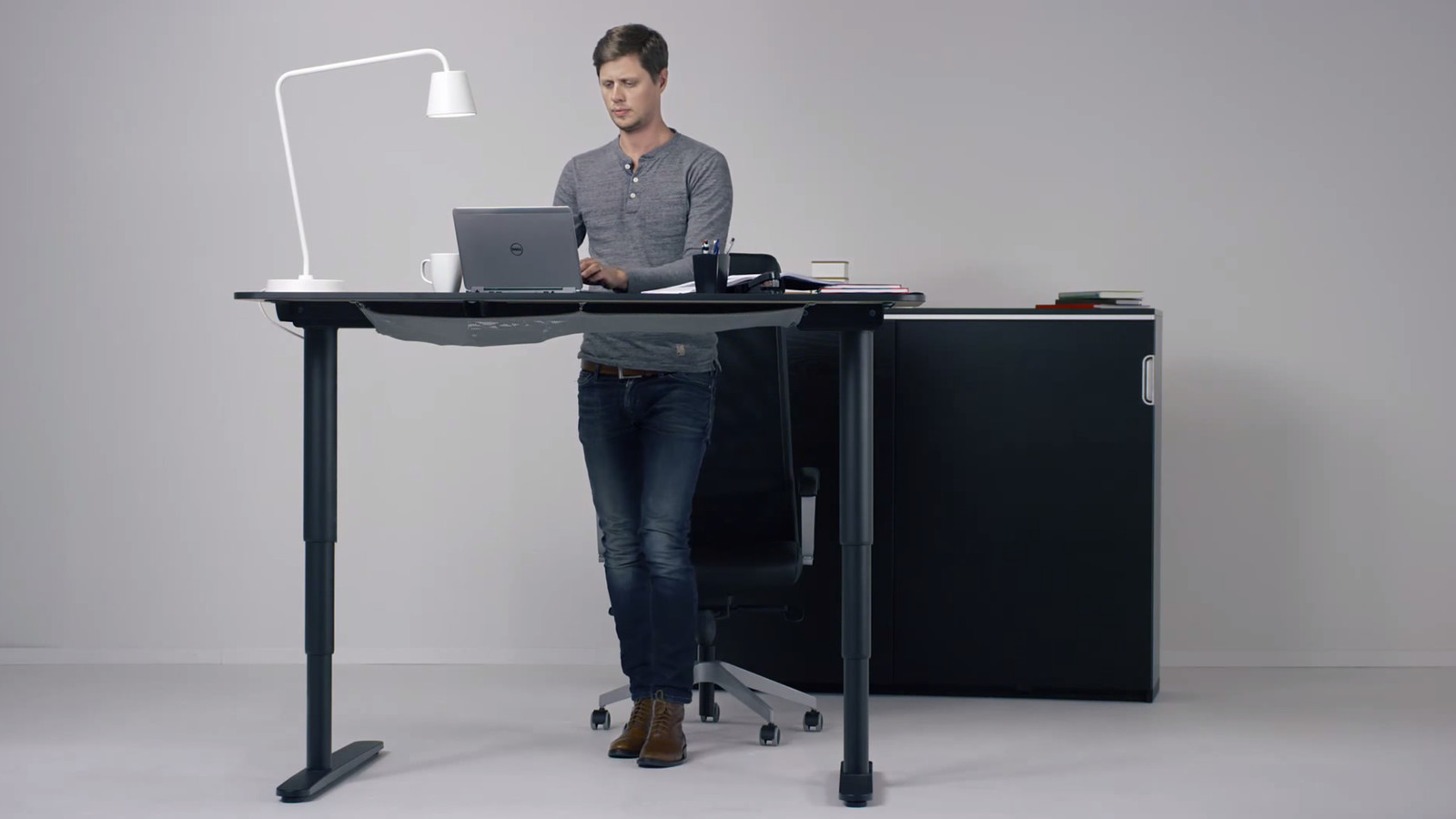 chair stand up trick ergonomic pantip ikea hopes its new motorized standing desk will get you