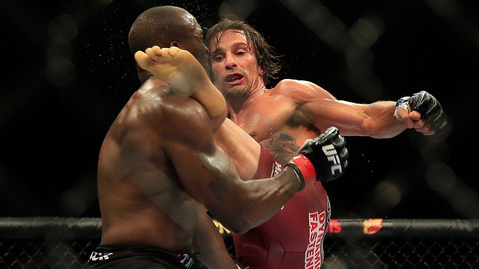 Watch Josh Samman knockout Eddie Gordon with brutal head kick at UFC 181 last night  MMAmaniacom