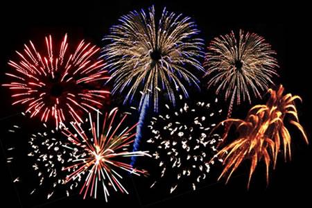 fuegos artificiales Tradiciones de Año Nuevo alrededor del mundo