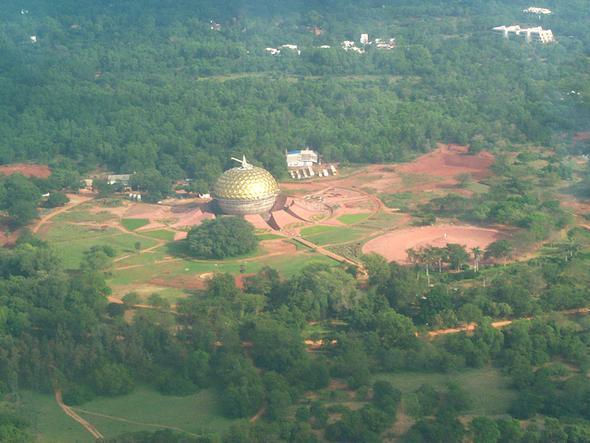 Indie: utopijne miasto Auroville, czyli mekka hipisów z całego ...