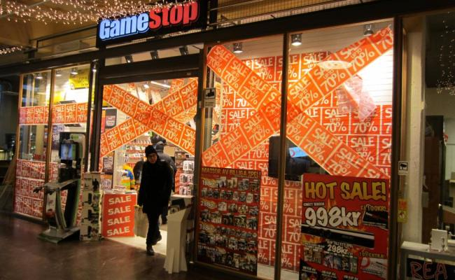Gamestop Gme Must Reverse Core Video Game Business